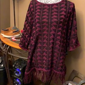 Sweaters - Relativity sweater maroon and black